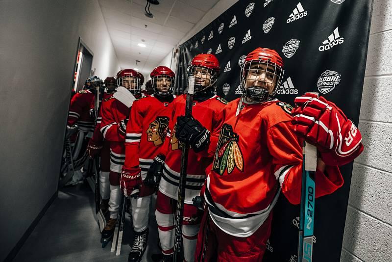 V rámci akce adidas NHL Experience si malí hokejisté z Hvězdy Praha mohli zatrénovat s hráči NHL před zápasem v O2 areně.
