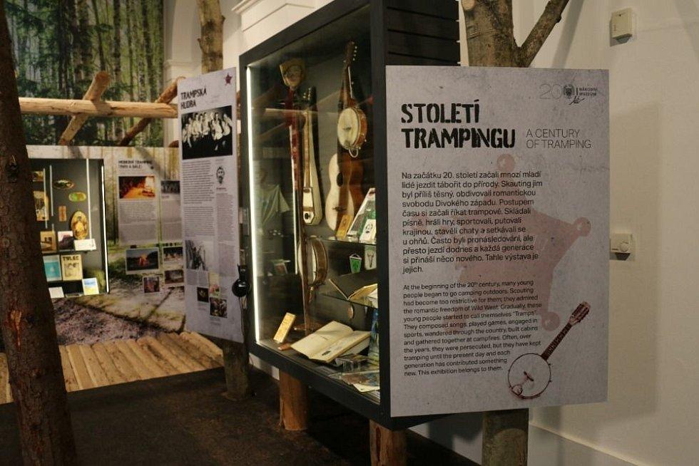Národní muzeum je částečně otevřené, ale stále nabízí spoustu výstav online. Snímek je z výstavy Století trampingu.
