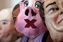 Neformální setkání k chystanému Sametovému posvícení, karnevalovému průvodu satirických masek nejrůznějších občanských iniciativ. Sametové centrum paláce v Cihelné.