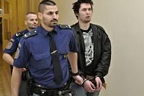 Martin Marhoul, který chtěl dvakrát vraždit, u Městského soudu v Praze.