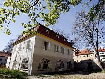 Mecenáška umění Meda Mládková se může radovat, Werichovu vilu bude spravovat ona.