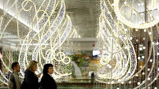 V pražských Vysočanech bylo 11. listopadu otevřeno nové nákupní centrum Harfa.