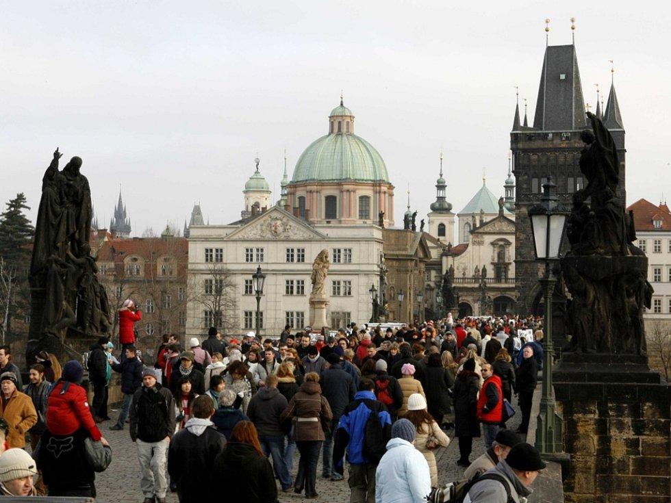 Karlův most v Praze před covidem…