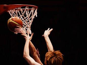 PRO UDRŽENÍ NADĚJE. Basketbalistky USK, které zatím nasbíraly v Eurolize šest bodů, potřebují pro udržení naděje na postup nutně vyhrát.