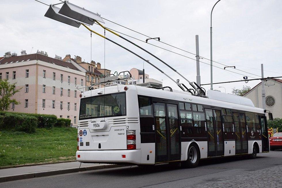Trolejbus Škoda SOR 30 Tr.