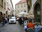 Neprůchodnost ulice Jilské už je minulostí, i díky Pražskému deníku.