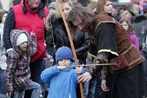 Karlínský masopust na Karlínském náměstí v sobotu 15. února.