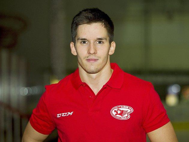 Hokejista Slavie Jaromír Kverka mladší.
