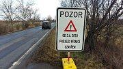 Dopravní značení je již na místě.