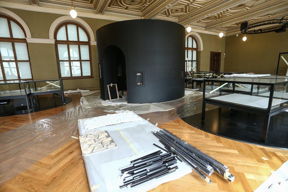 Z přípravy stálé expozice o českých dějinách v Národním muzeu v Praze.