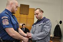 Recidivista Pavel Hamberger u Městského soudu v Praze.
