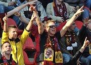 Řádění fanoušků na fotbale nezná mezí