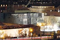 Návrh domu, který má být u Anežského kláštera v Praze. Jeho autorem je Zdeněk Fránek.