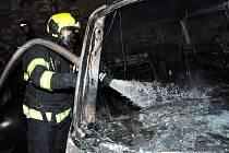Požár dílny v ulici Na Výtoni.