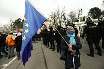 Demonstrace před ambasádou Ruské federace v neděli 18. dubna 2021.