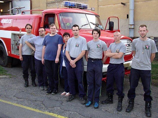 Každé pondělí členové výjezdové jednotky Sboru dobrovolných hasičů Praha - Nebušice schází k údržbě techniky.