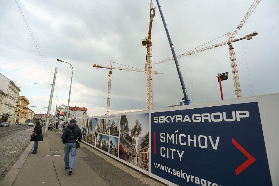 Staveniště developerského projektu firmy Sekyra na Smíchově.