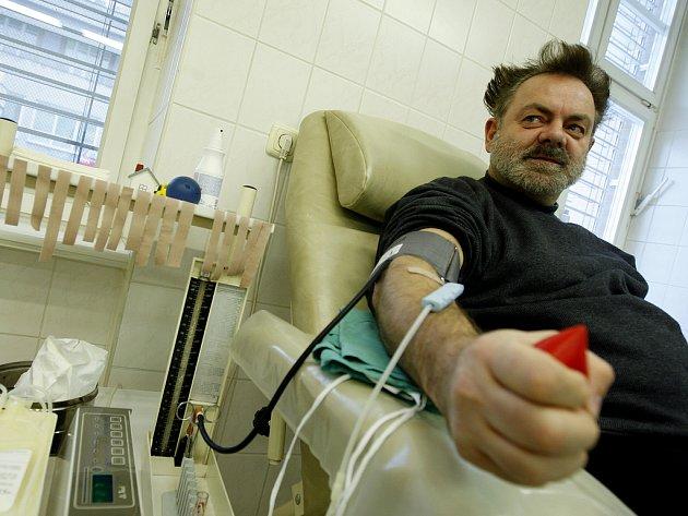 NAOPAK. Mezi dárci byl i Václav Upír Krejčí.