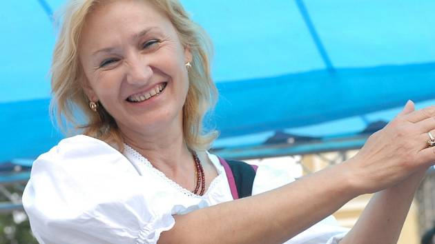Brigita Hlaváčková, zpěvačka dechové kapely Krajanka.