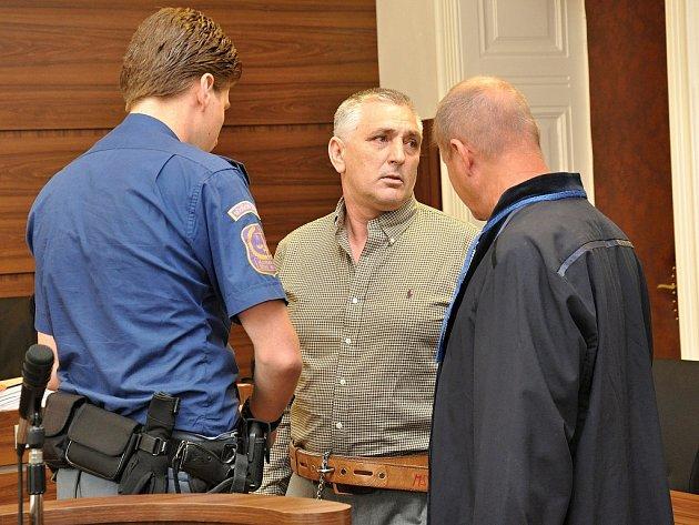 Chorvat Sergej Beriša u Městského soudu v Praze.