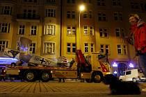 Převoz historického letadla Bu 131 Jungmann se šířkou 7,40m z Kbel do Dejvické ulice v Praze, kde bude exponátem u příležitosti 64. výročí osvobození, proběhl v noci na 8. května.