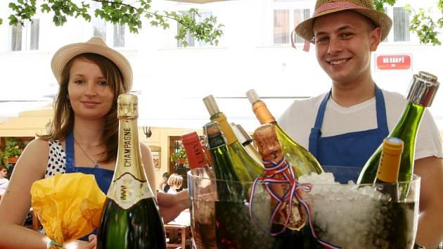 Na slavnosti a hlavně trh s pravými francouzskými laskominami zvou i Pražany a návštěvníky hlavního města.