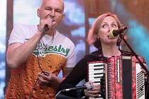 Skupina Tři sestry zahájila oslavy 30. výročí svého založení začátkem 30 let Open Air festivalu v pražském branickém A parku Ledárny 21. května a zároveň pokřtila své nové album FERNET UNDEGROUND