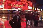 Houslista Jaroslav Svěcený v Las Vegas.