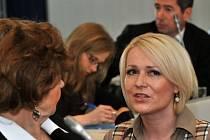 Jana Černochová 26. března na mimořádném zasedání zastupitelstva Prahy 2.