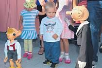 SLAVNOSTNÍHO OTEVŘENÍ Mateřské školy Pitkovice se Spejblem a Hurvínkem.