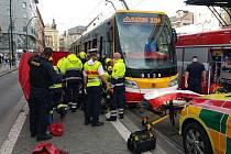 Tramvaj srazila ženu u Masarykova nádraží.