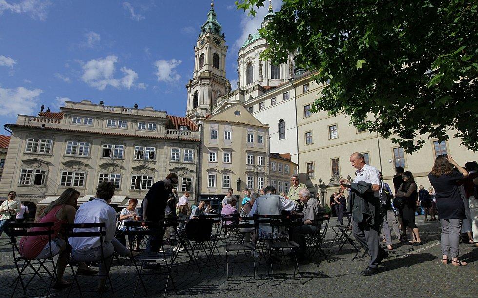 Malostranské náměstí bez aut.
