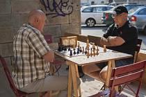 Šachový turnaj pod Negrelliho viaduktem.