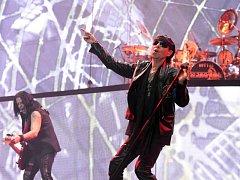 Německá rocková skupina Scorpions vystoupila v sobotu 27. února 2016 bez předkapely v pražské O2 areně. Kapela, která je na turné k novému albu s názvem Return to Forever, slaví 50 let své hudební kariéry.