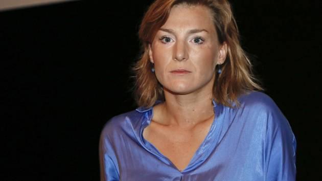 Lenka Krobotová.