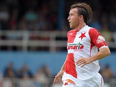 DALŠÍ ÚRAZ. Na dva až tři týdny může Vladimír Šmicer kvůli poraněnému kolenu na fotbal zapomenout.
