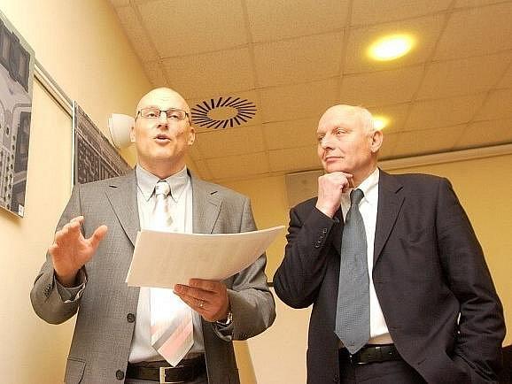Filip Dvořák (vlevo) chce uhájit svůj post ve stranickém vedení před Janem Bürgermeisterem (vpravo).