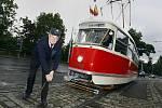 Do ulic hlavního města vyjela ze Střešovické vozovny 15. září, v den 135. výročí pražské hromadné dopravy, historická tramvaj řady T1.