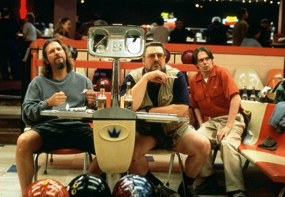 Autokino Strahov jede po celý víkend. V sobotu uvádí legendární americkou komedii Big Lebowski.