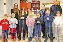 Oddíl mladých hasičů z Miškovic se zúčastnil Zimního poháru v uzlování, který se konal v Řeporyjích.
