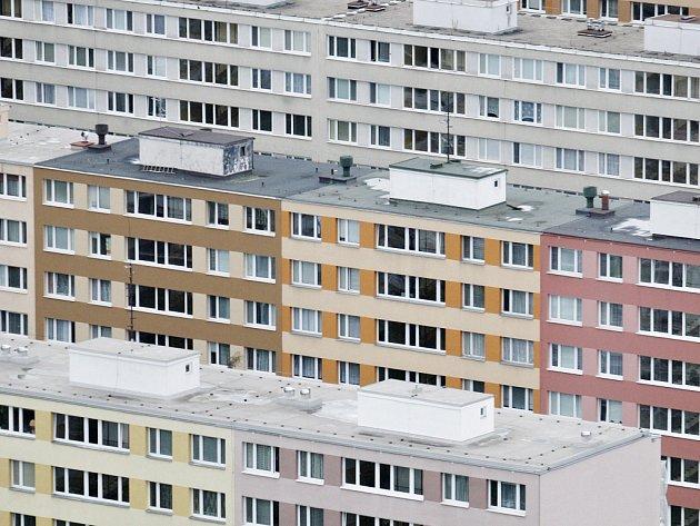 Pohled na sídliště na Pankráci ze City Tower v Praze.