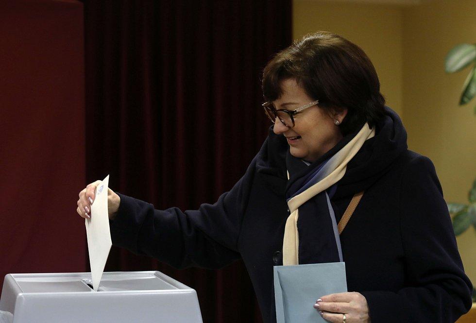 Prezidentské volby - Jiří Drahoš s manželkou v Lysolajích.