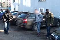 Muže podezřelého z útoku zajistili policisté.