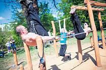ZACVIČIT SI MŮŽE KAŽDÝ, tréningy ale připravují profesionálové.