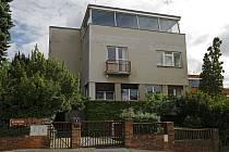 Architekti - vila Fišerka, na Pahoubce, obytný dům, Cukrovarnická, Lopatecká.