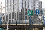 Impulz pro Plzeňskou. Nová kancelářská budova SmíchOFF s terasovitou zahradou podle návrhu studia Bogle Architects  navazuje na moderní zástavbu v okolí Anděla.