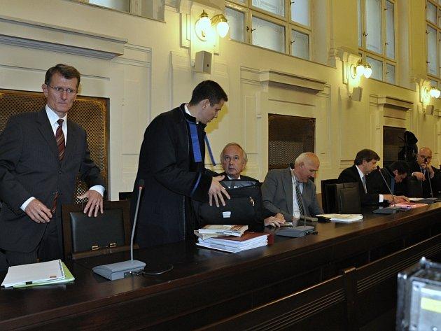 """Kauzou kolem údajně předražené """"karty Pražana"""" opencard se zabýval pražský městský soud."""