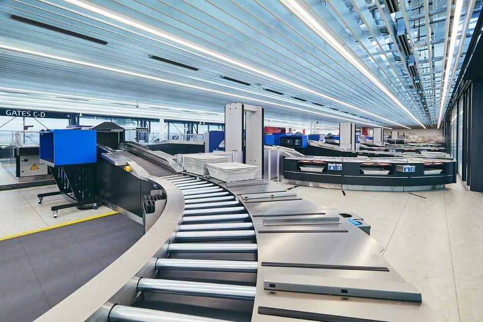 Letiště Václava Havla Praha otevřelo na Terminálu 2 nový bezpečnostní prostor. Zrychlí se tím odbavení cestujících.