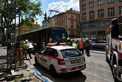 Tramvaj srazila u I. P. Pavlova dva chodce.
