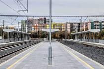 Nová železniční zastávka Praha-Eden.